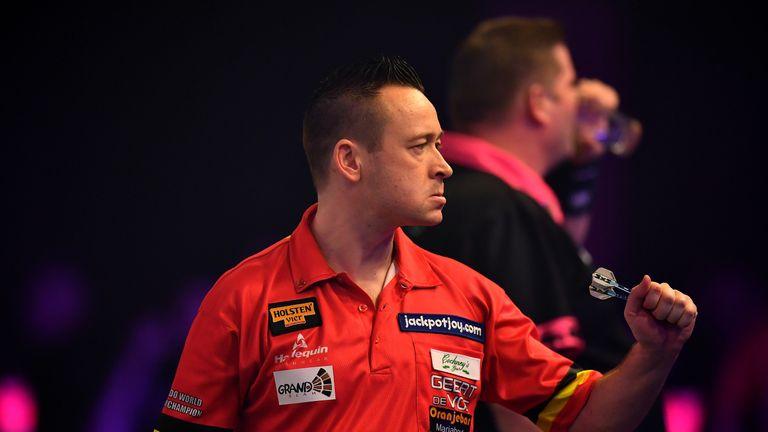Geert de Vos upset former champion Scott Mitchell