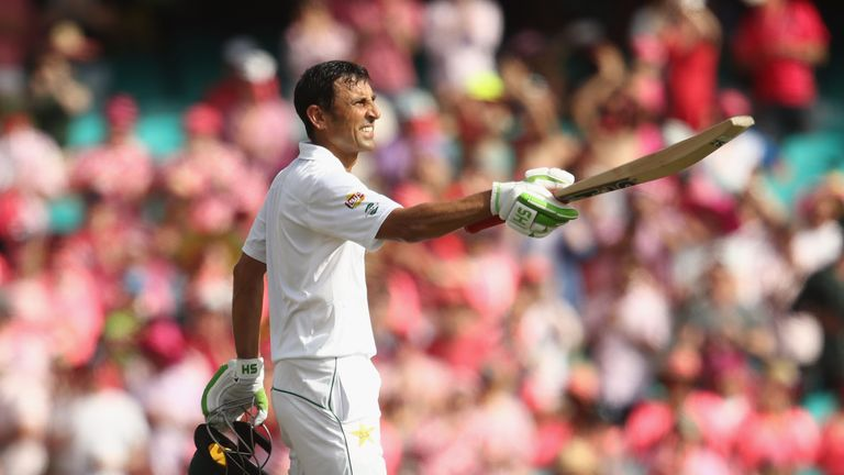 Pakistan's Younus Khan makes the Team of the Week after his century against Australia in Sydney