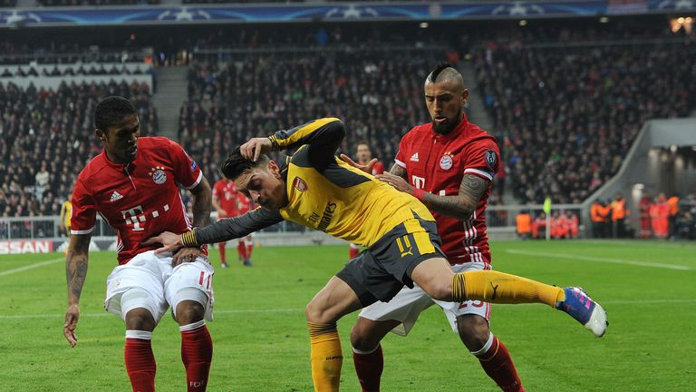 Ozil could not prevent Arsenal losing 5-1 in Munich