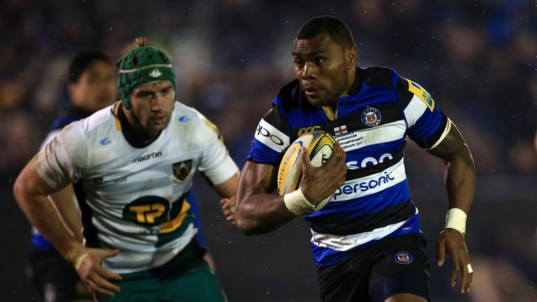 Semesa Rokoduguni runs in to score Bath's second try