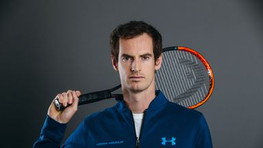 Andy Murray returns at the Dubai Tennis Championships