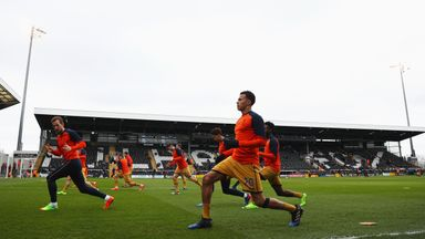 LONDON, ENGLAND - FEBRUARY 19:  Dele Alli of Tottenham Hotspur warms up with team mates prior to The Emirates FA Cup Fifth Round match between Fulham and T