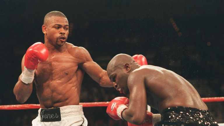 18 NOV 1994:   ROY JONES JR. (LEFT), LANDS A LEFT ON JAMES TONEY TONIGHT DURING THEIR SUPER MIDDLEWEIGHT CHAMPIONSHIP BOUT AT THE MGM GRAND IN LAS VEGAS, N