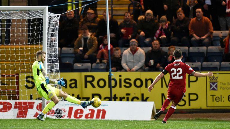 Aberdeen's Ryan Jack makes it 5-0