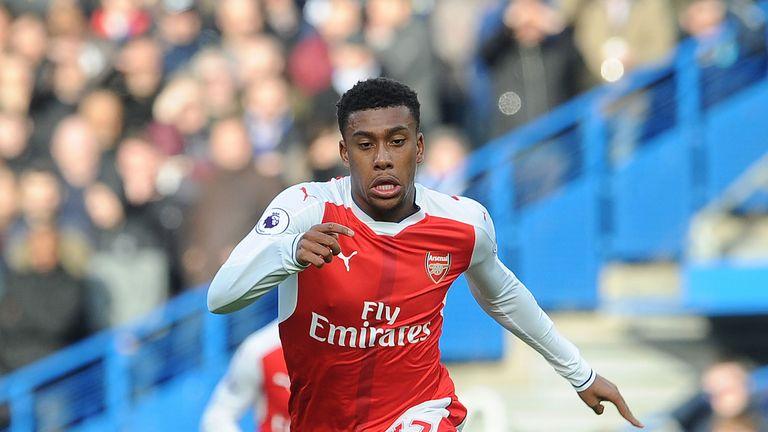 Alex Iwobi urges Arsenal fans to show Arsene Wenger more ...