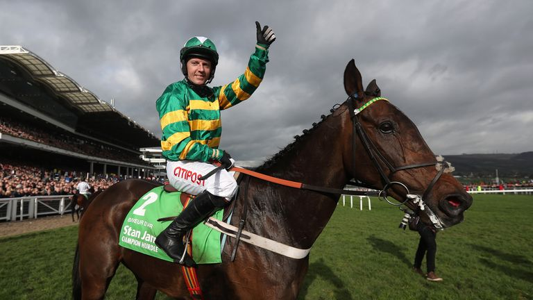 Noel Fehily rode If The Cap Fits to victory