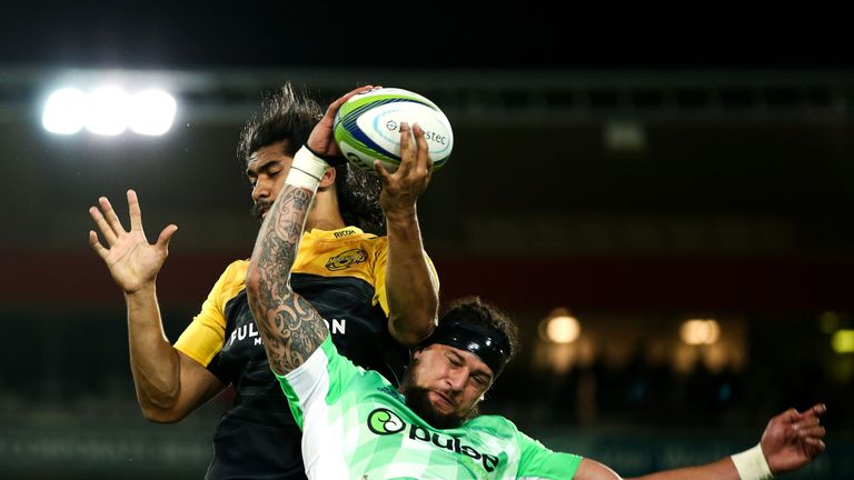 Michael Fatialofa competes with Elliot Dixon at a lineout