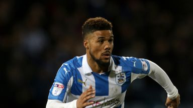 Elias Kachunga: Staying at Huddersfield