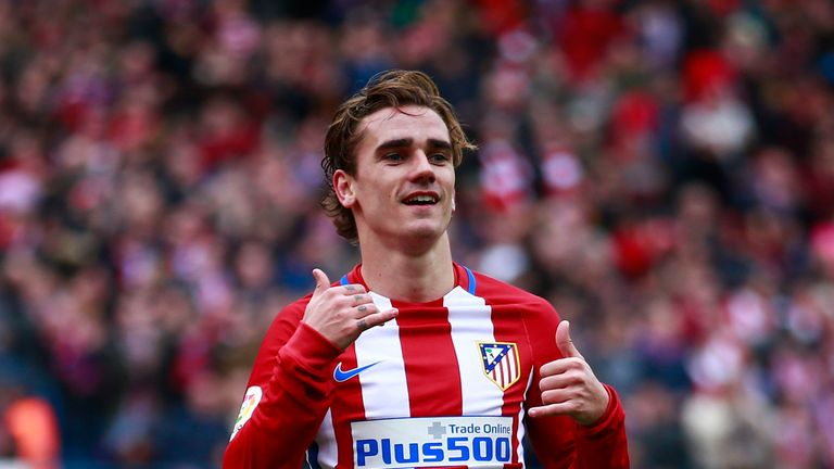 MADRID, SPAIN - MARCH 05:  Antoine Griezmann of Atletico de Madrid celebrates scoring their third goal during the La Liga match between Club Atletico de Ma