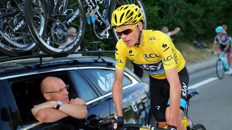 Chris Froome has given his backing to the Team Sky boss
