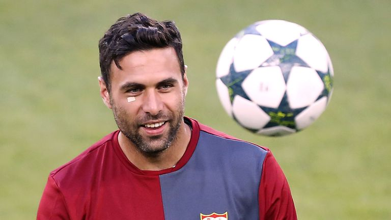 Milan are targeting a summer move for PSG 'keeper Salvatore Sirigu