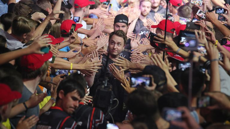 The crowds will be out in force for the third season of StarSeries. (image courtesy of STARLADDER)