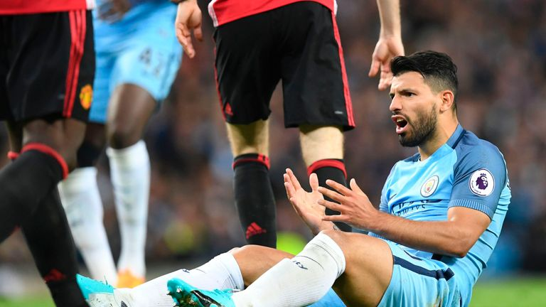 Aguero shows his frustration after missing a chance