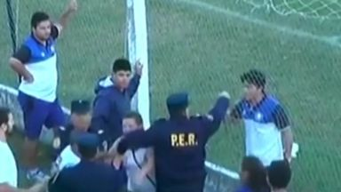 Police had to intervene in a football match in Argentina