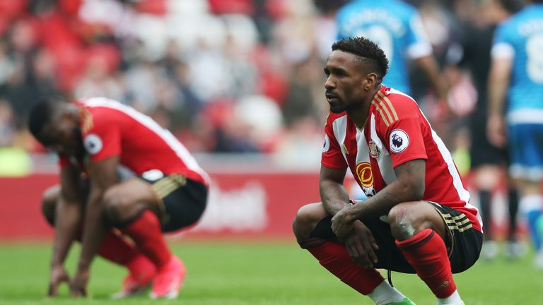 Jermain Defoe of Sunderland looks dejected during the Premier League match between Sunderland and AFC Bournemouth