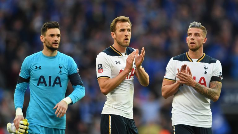 LONDON, ENGLAND - APRIL 22:  Toby Alderweireld of Tottenham Hotspur and Harry Kane of Tottenham Hotspur applaud supporters during The Emirates FA Cup Semi-