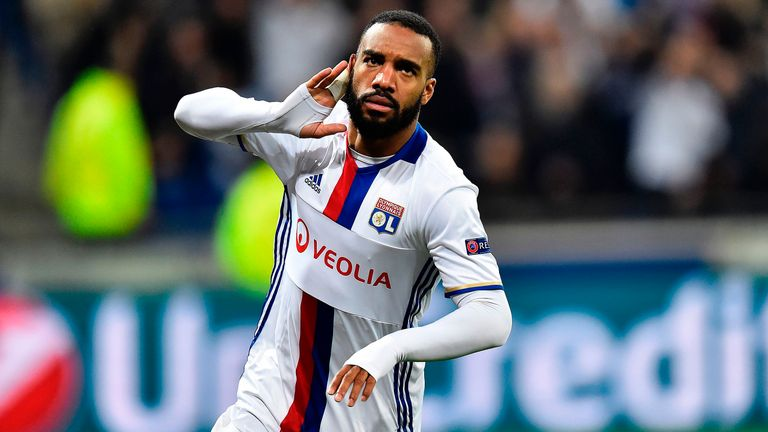 Alexandre Lacazette talking to Atletico Madrid - Lyon president Aulas