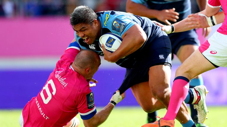 Cardiff Blues' Nick Williams crosses for his side's second try