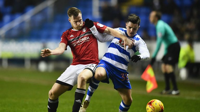 Liam Kelly of Reading and Tomas Kalas of Fulham battle for the ball during the Royals' 1-0 win