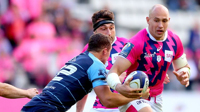 Sergio Parisse on the charge for Stade Francais