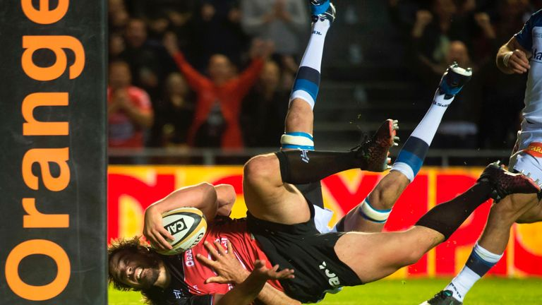 Laurent Delboulbes reaches out for the try