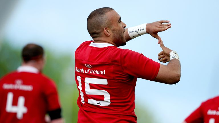 Simon Zebo celebrates scoring the decisive try in front of 18,332 at Thomond Park