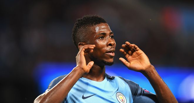 Man City forward Iheanacho completes Leicester medical