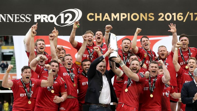 Scarlets celebrate after lifting the PRO12 trophy in Dublin