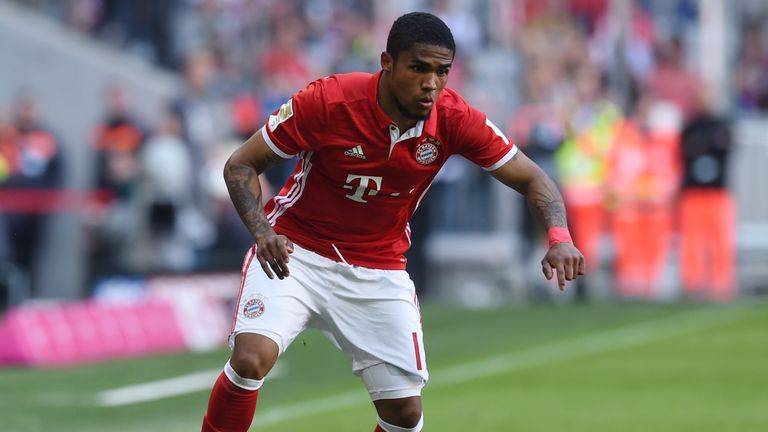 Bayern Munich forward Douglas Costa will shortly complete his switch to Juventus