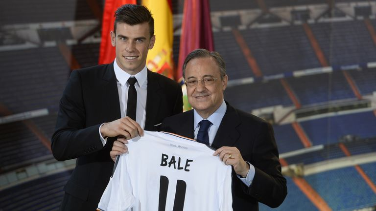 Gareth Bale poses with Florentino Perez at his Real Madrid unveiling
