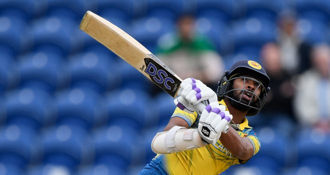 Pakistan beats Sri Lanka with wobbly batting effort at the Champions Trophy