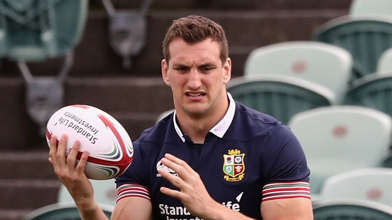 AUCKLAND, NEW ZEALAND - JUNE 01:  Sam Warburton holds onto the ball during the British & Irish Lions training session held at the QBE Stadium on June 1, 20