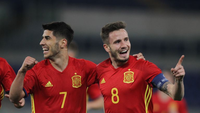 Saul Niguez (R) and Marco Asensio shone for Spain U21 against Macedonia