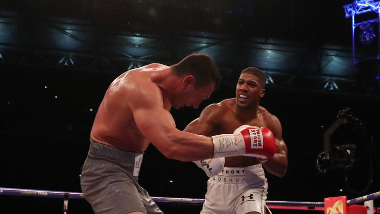 Joshua gets ready to face Klitschko in Las Vegas