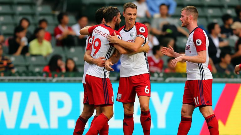 Jay Rodriguez is congratulated by Jonny Evans after his goal