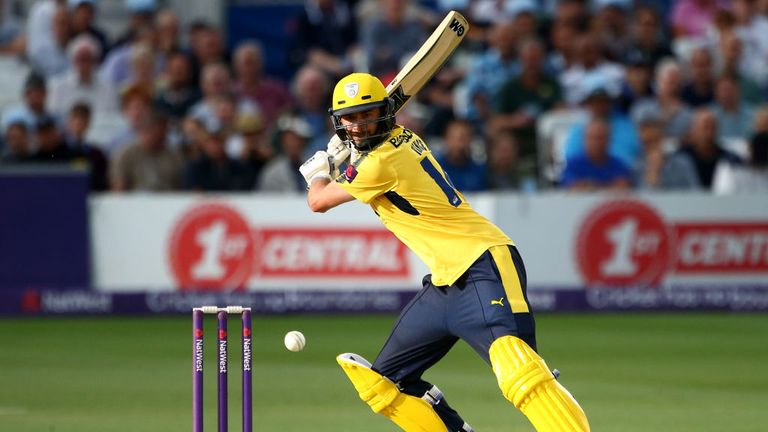 James Vince helped Hampshire off to a fine start in their successful run-chase