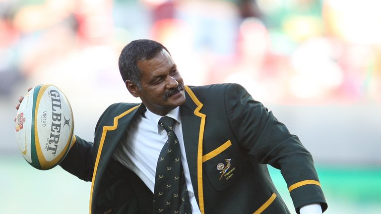 Former Springbok coach Peter de Villiers feels the appointment of Erasmus undermines Coetzee