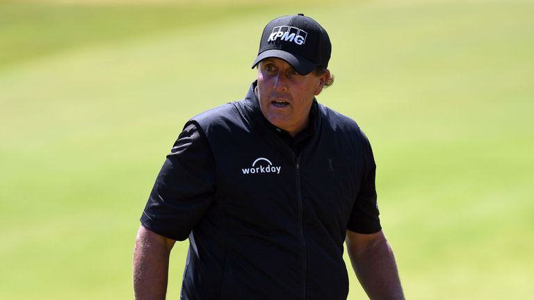 Mickelson missed the cut for the second straight major