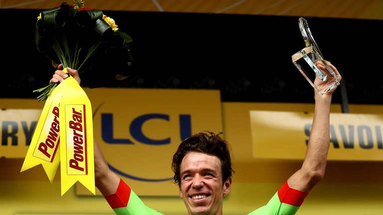 Rigoberto Uran wins Stage 9 of the Tour de France