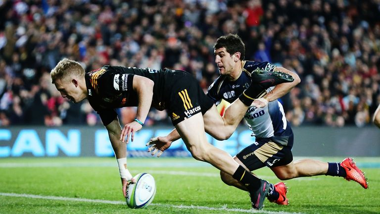 Damian McKenzie scored the Chiefs' opening try and kicked 13 points