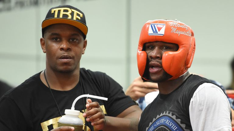 Mayweather will have too many tricks for McGregor, according to Froch