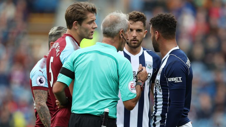 Skysports-hal-robson-kanu-red-card-martin-atkinson-west-brom-burnley_4078958