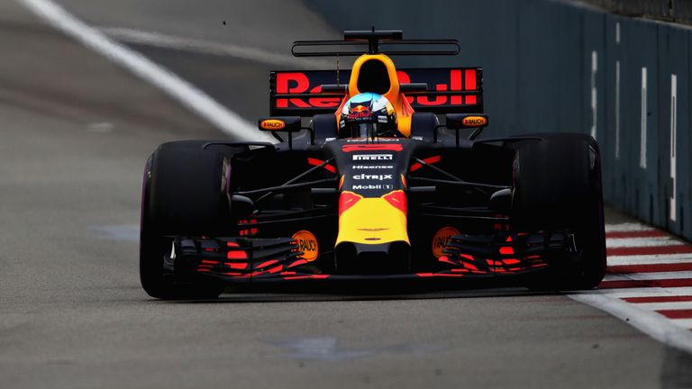 Ricciardo leads Red Bull 1-2 in FP2