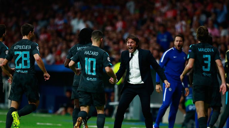 Antonio Conte congratulates Chelsea players after Alvaro Morata's equaliser