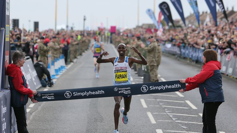 Mo Farah Wins The Great North Run A Fourth Consecutive Time