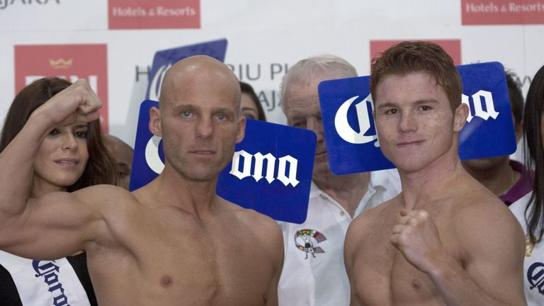 Ryan Rhodes suffered a brave 12th-round stoppage loss to Alvarez in 2011