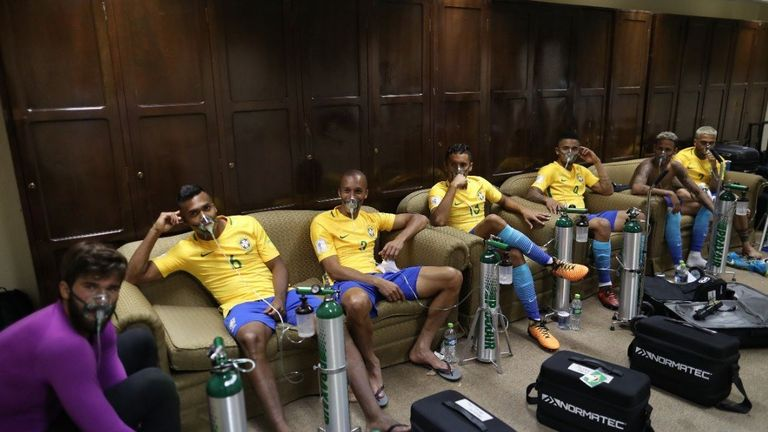 Brazil players received oxygen after a 0-0 draw against Bolivia in La Paz - 11,900 feet above sea level (Pic: Twitter: @CBF_Futebol)