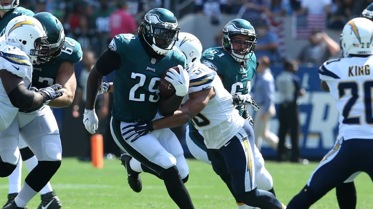 Philadelphia's Blount in 'enemy mode' vs. Patriots