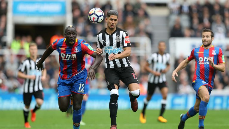 Injured Benteke still weeks away from Palace return: Hodgson