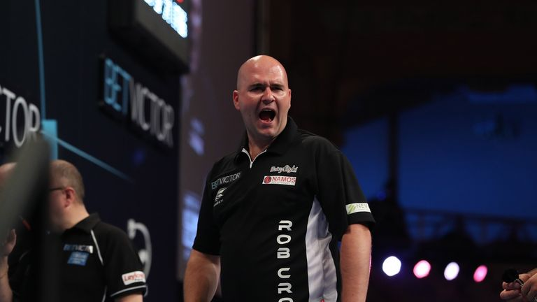 Cross played some outstanding darts, which saw him lead 4-2